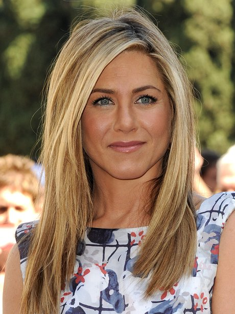 jennifer-aniston-star9-1329992296-view-1